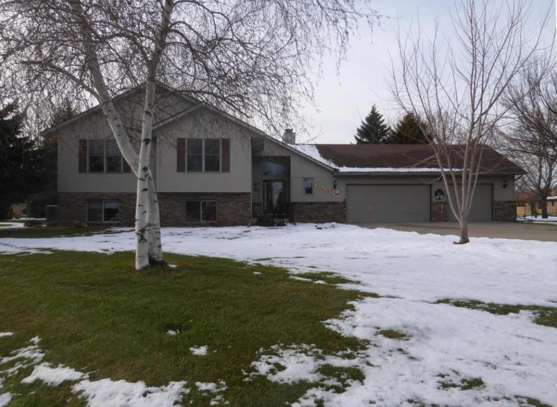 975 Olympic Hills Place, Owatonna, MN 55060