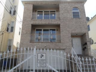 Home For Sale at 32 Wainwright St, Newark NJ