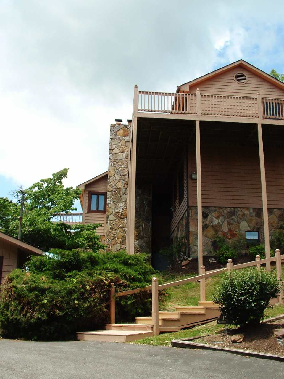 1211 Hollyberry Ct, Sevierville, Tennessee 37846