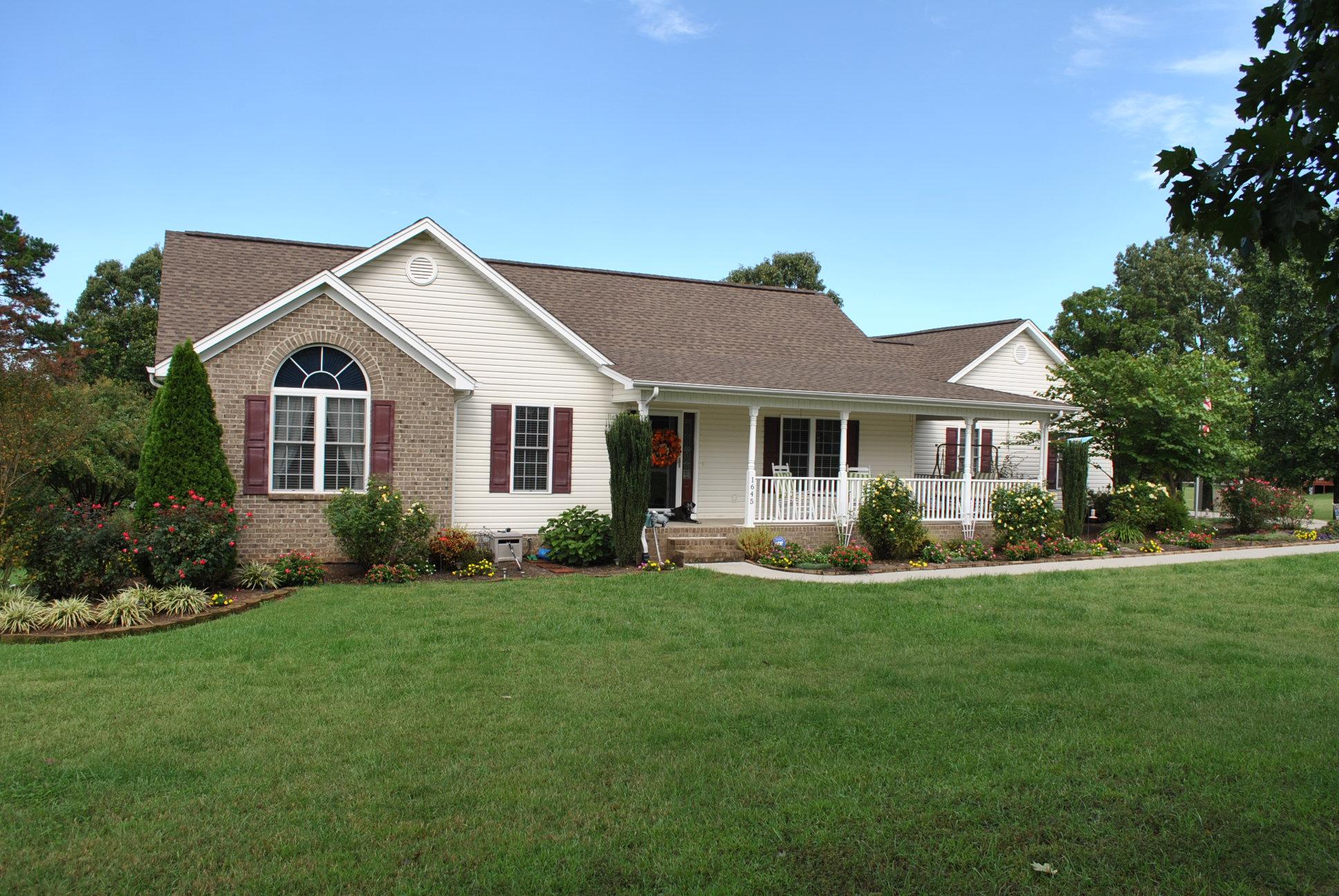 1645 Fall Creek Rd., Ringgold, Virginia 24586