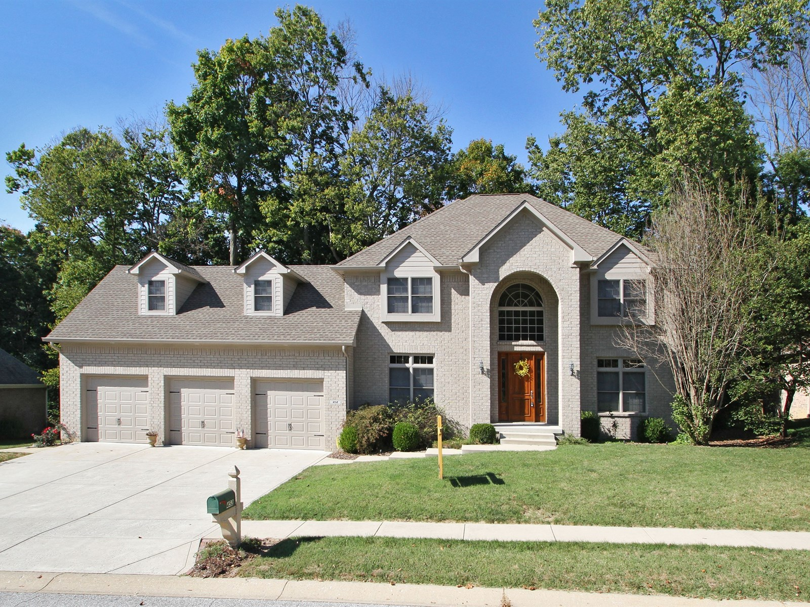 452 Sycamore Ridge Ct., Avon, Indiana 46123