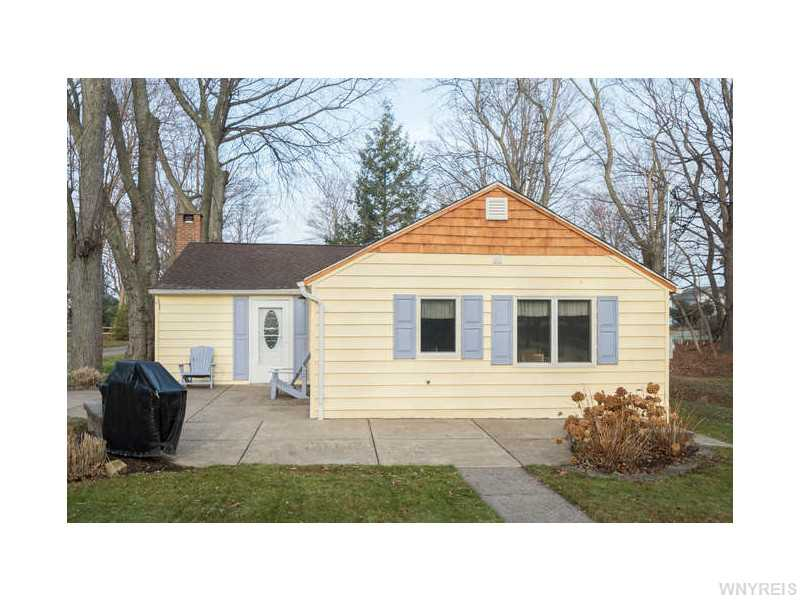 9416 Lake Shore Rd, Evans, New York 14006