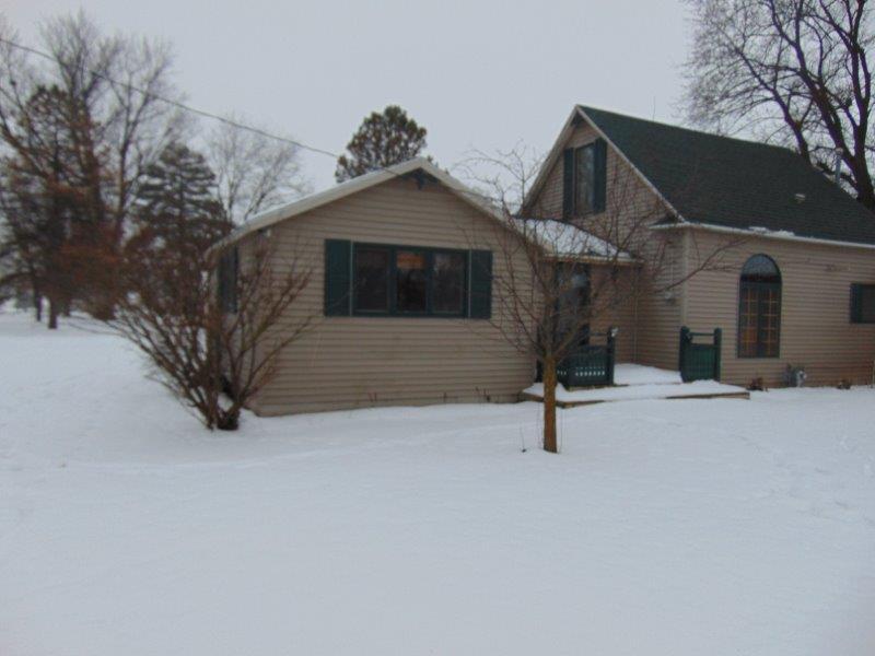 622 4th St, Meadow Grove, Nebraska 68752