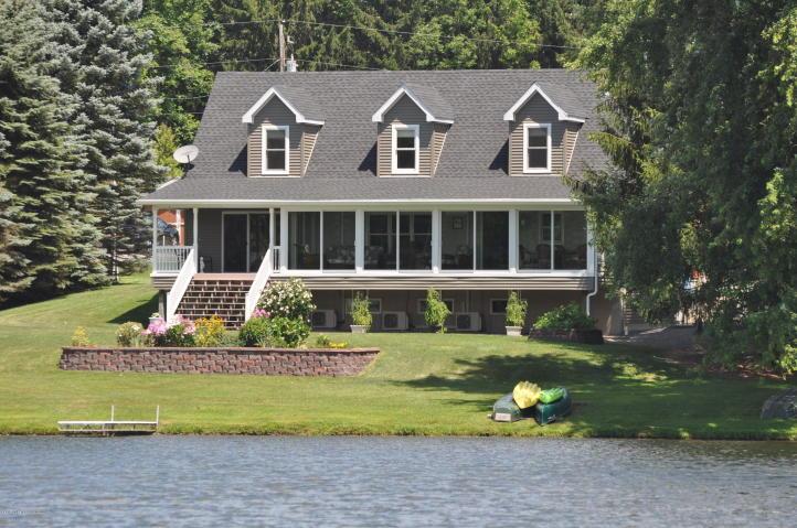 990 Lake Road, New Milford, Pennsylvania 18834
