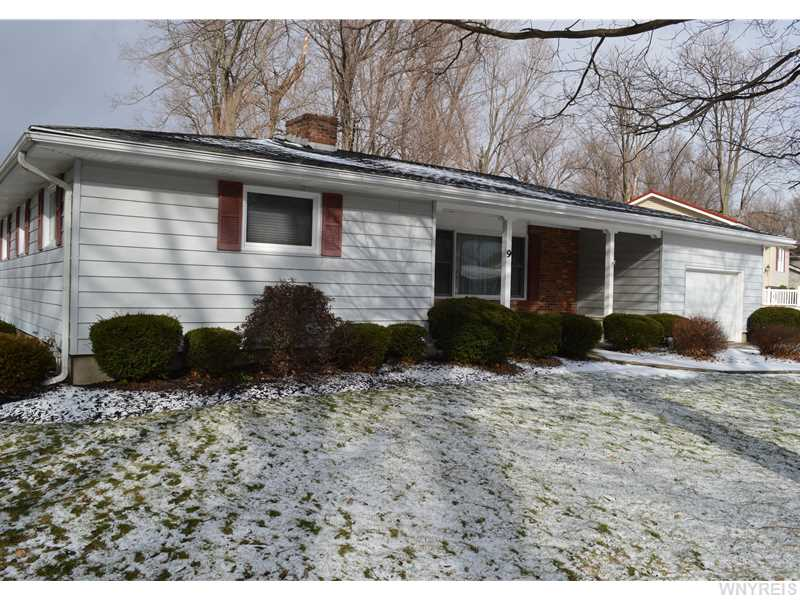 9 Crescent Dr, Akron, New York 14001