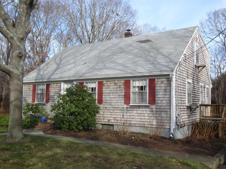 194  Bearses Way, Hyannis, Massachusetts 02601