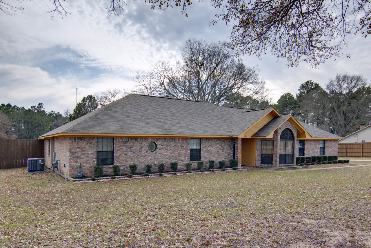 301 Deer Creek Drive, Texarkana, Arkansas 71854