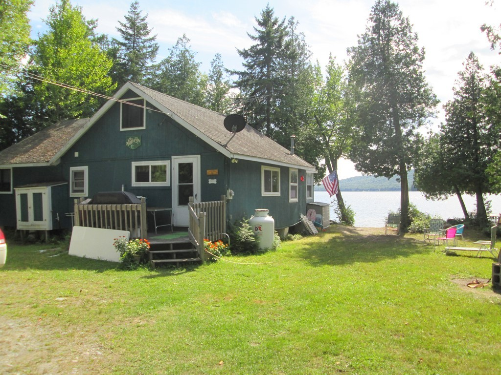 105 Flat Iron Pond Road , Ta R7 Wels, Maine 04462