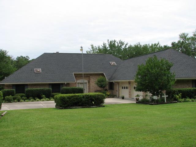 421 Lake Dr. , Jasper, Texas 75951
