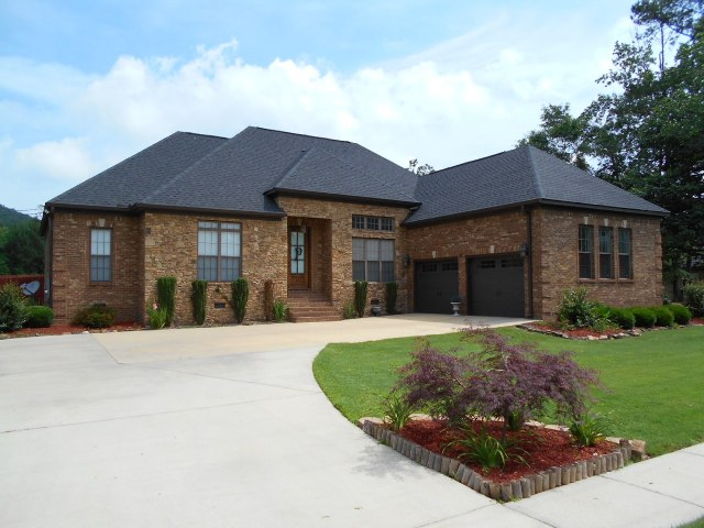 65 Pinehaven Road, Gadsden, Alabama 35901