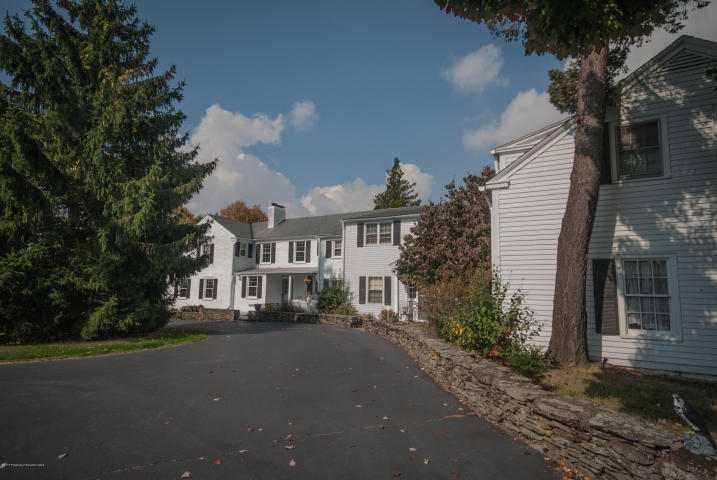 642 Lily Lake Road, Waverly, Pennsylvania 18471