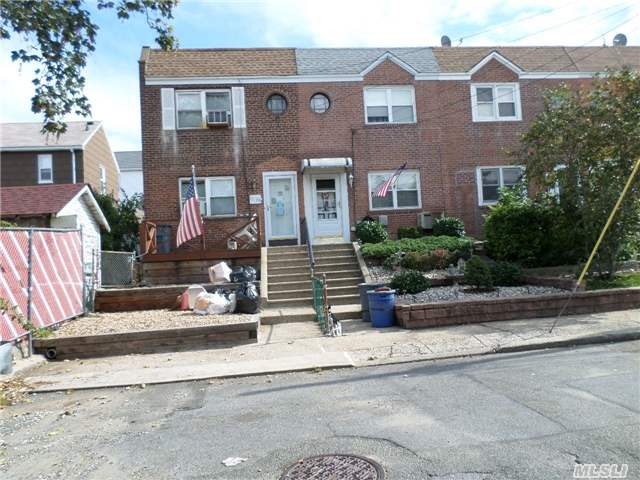 10-09 116 Street, College Point, NY 11356