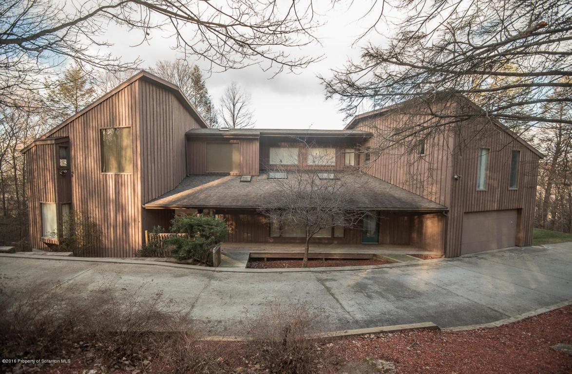 220 Grouse Hill, Waverly, Pennsylvania 18471