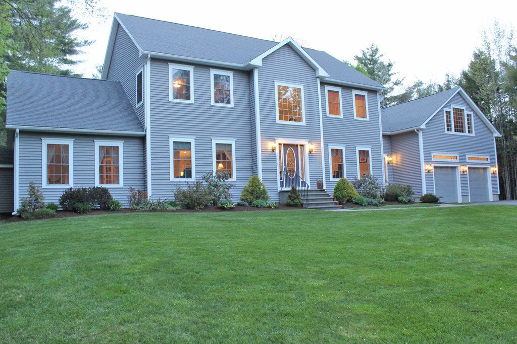19 Colonial Drive, Old Town, Maine 04468
