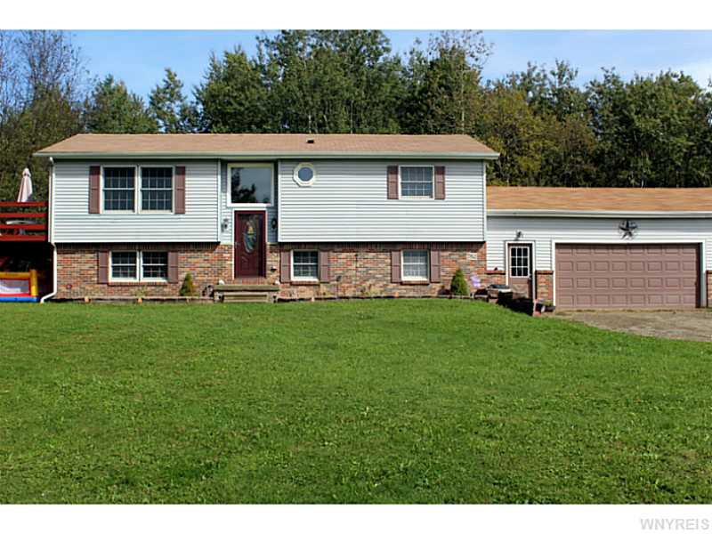 782 W Hughes Rd, Freedom, New York 14009