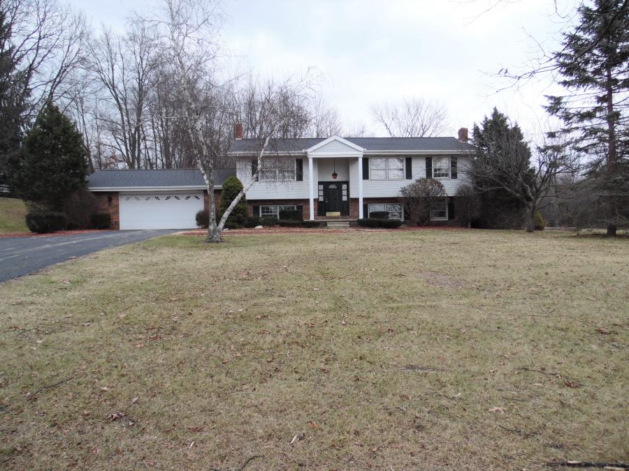 9761 Brown , Springport, Michigan 49284