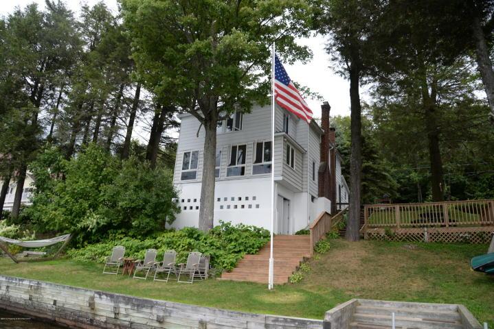 189 Shadyside Dr, Greenfield Twp, Pennsylvania 18407