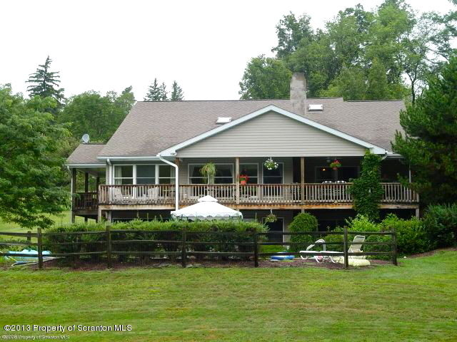100 Pine Grove Farms Road, Waverly, Pennsylvania 18471