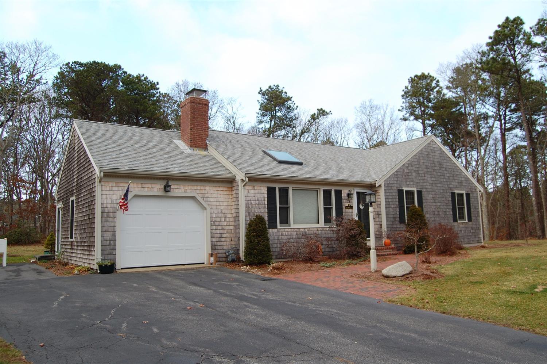 13  Martin Rd, East Dennis, Massachusetts 02641