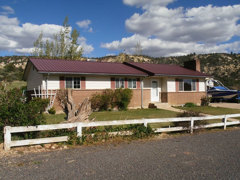 190 N 100 E, Glendale, Utah 84729