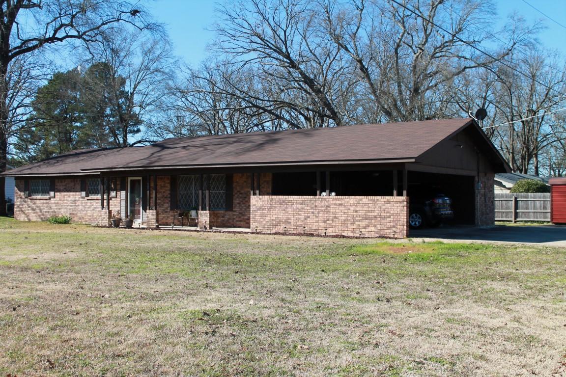 505 Precinct Line Road, Hooks, Texas 75561