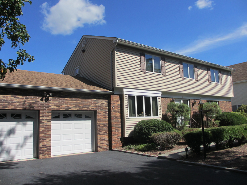 15 Normandie Lane, Raritan, New Jersey 08869