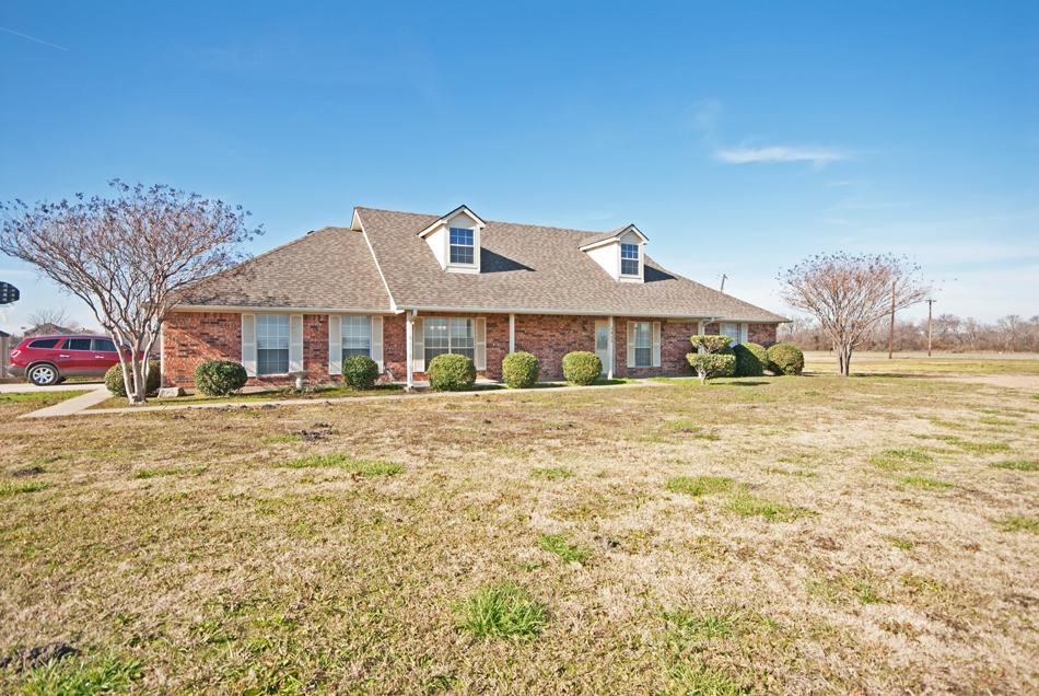 2425 Old Highway 6, Howe, Texas 75459