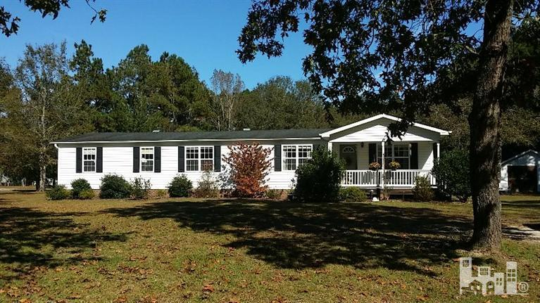 1152  Point Caswell Rd, Atkinson, NC 28421
