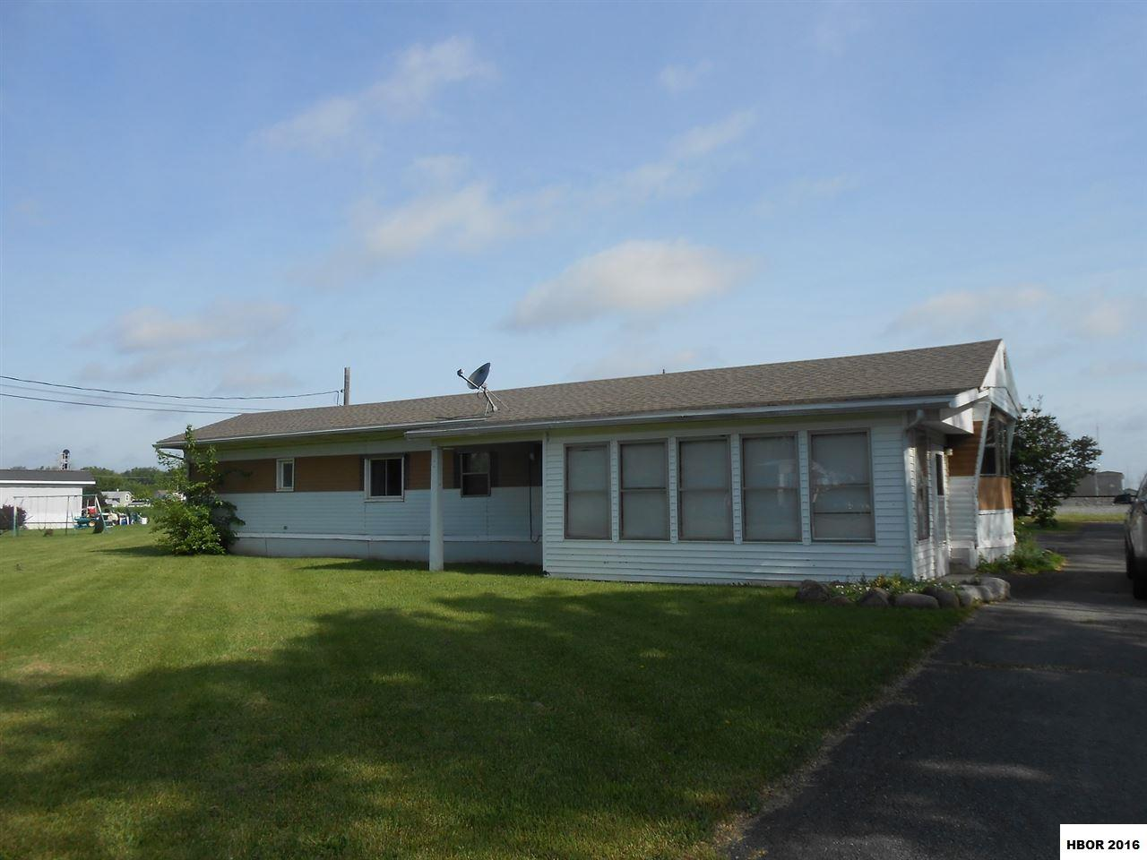 625 E BROADWAY ST, Leipsic, OH 45856