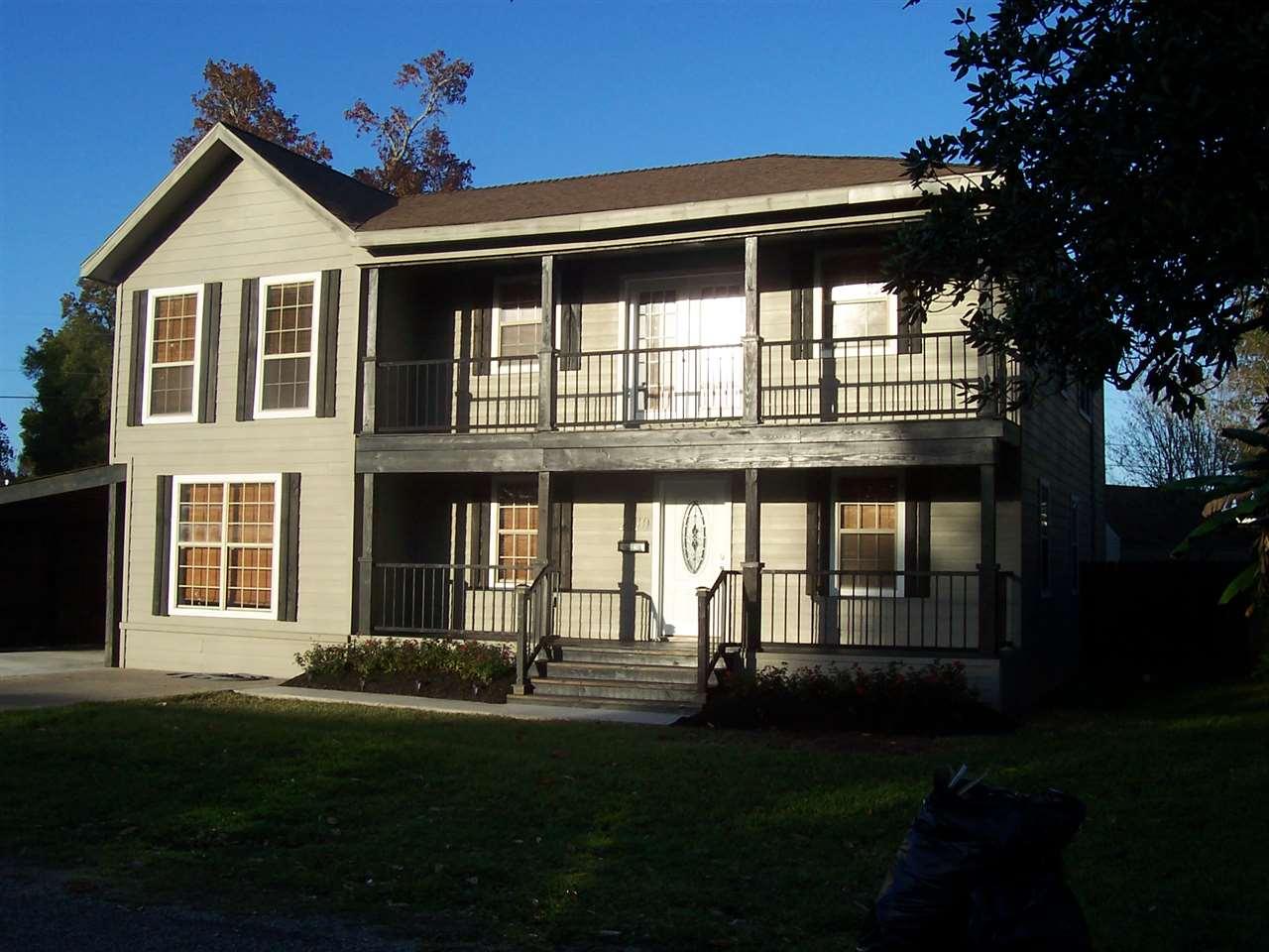 2110 Sun Ave, Port Neches, TX 77651