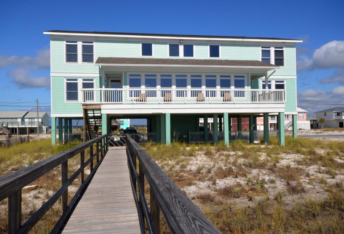 7439 Gulf Blvd, Navarre, Florida 32566