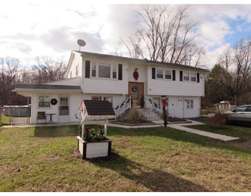 34 New Ludlow Rd, Granby, MA 01033