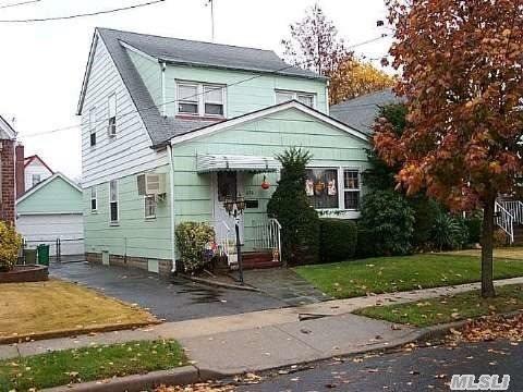 636 S 8th Street, New Hyde Park, NY 11040