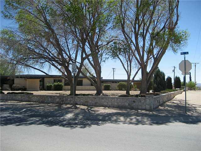 630  Mike Maros St, Fabens, TX 79838