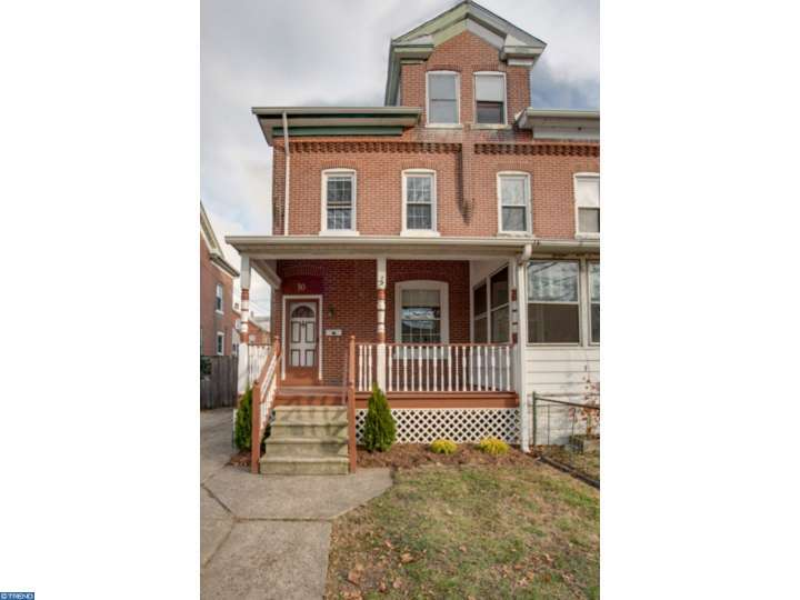 30  6th Ave, Florence, NJ 08554