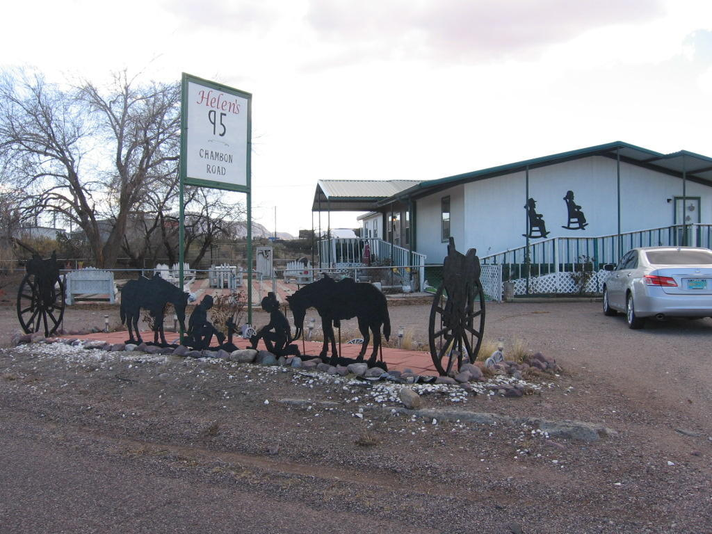 95  Chambon Rd, Lemitar, NM 87823
