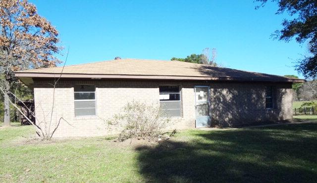 177 Fuller St, Zavalla, TX 75980