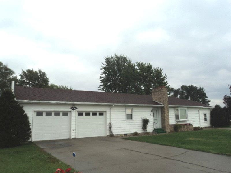 19 McCLUNG ST, Leipsic, OH 45856