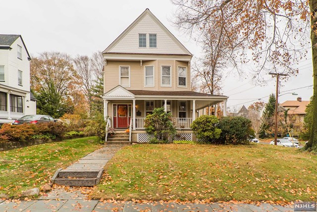 30 W Passaic Ave, Rutherford, New Jersey 07070